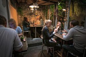 Spekstraat-Specktakel-Haarlem-restaurant-binnentuin